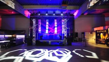 Bühne mit Lichteffekten